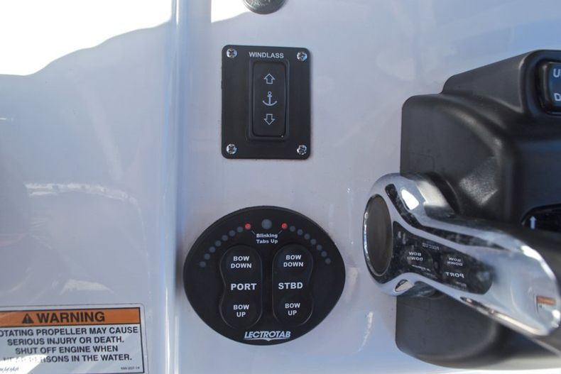 Thumbnail 41 for Used 2015 Sportsman Heritage 251 Center Console boat for sale in West Palm Beach, FL