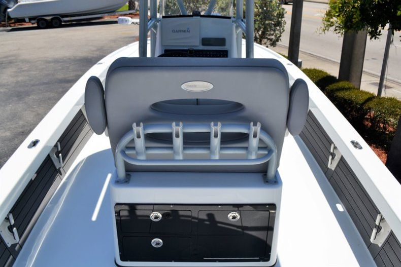 Thumbnail 12 for Used 2018 Pathfinder 2500 Hybrid boat for sale in Vero Beach, FL