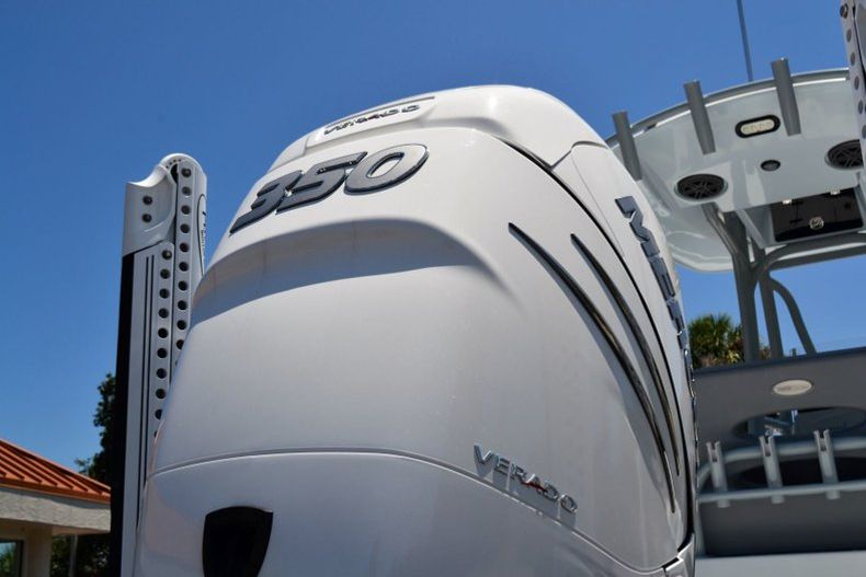Thumbnail 10 for Used 2018 Pathfinder 2500 Hybrid boat for sale in Vero Beach, FL