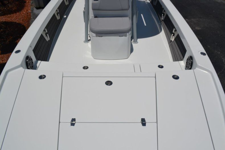 Thumbnail 19 for Used 2018 Pathfinder 2500 Hybrid boat for sale in Vero Beach, FL