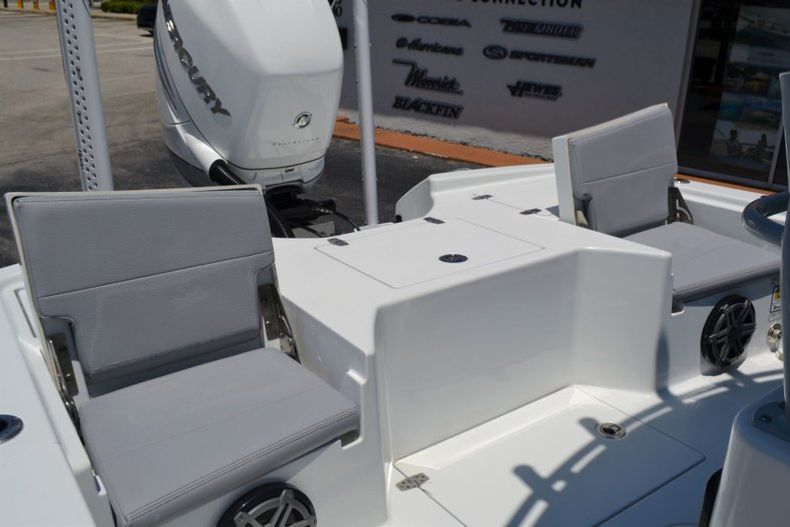 Thumbnail 21 for Used 2018 Pathfinder 2500 Hybrid boat for sale in Vero Beach, FL