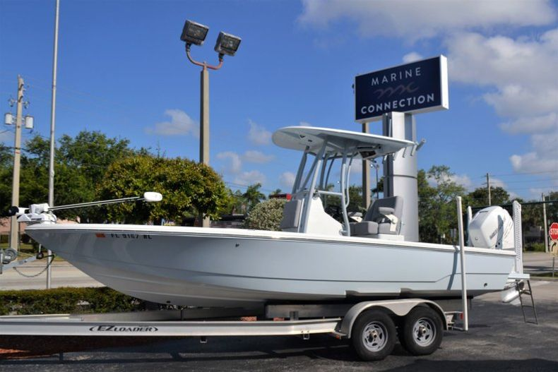 Used 2018 Pathfinder 2500 Hybrid boat for sale in Vero Beach, FL