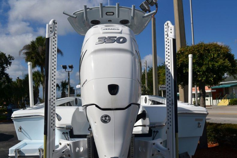 Thumbnail 4 for Used 2018 Pathfinder 2500 Hybrid boat for sale in Vero Beach, FL