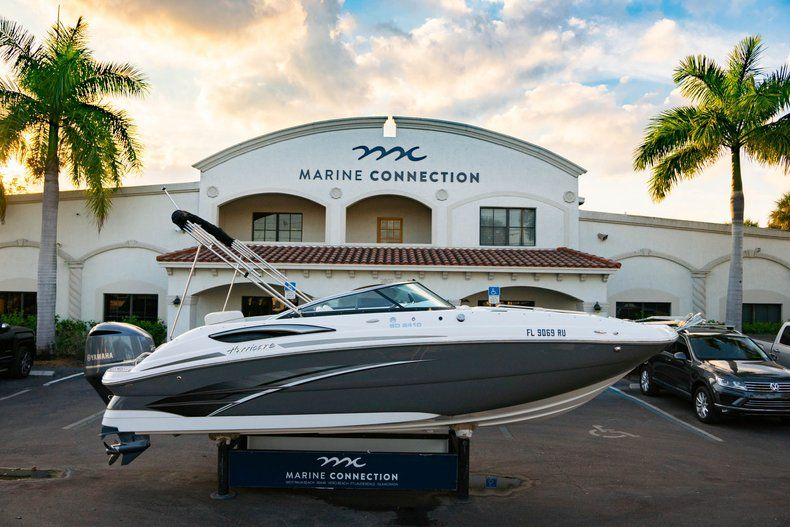 Used 2019 Hurricane SunDeck SD 2410 OB boat for sale in West Palm Beach, FL