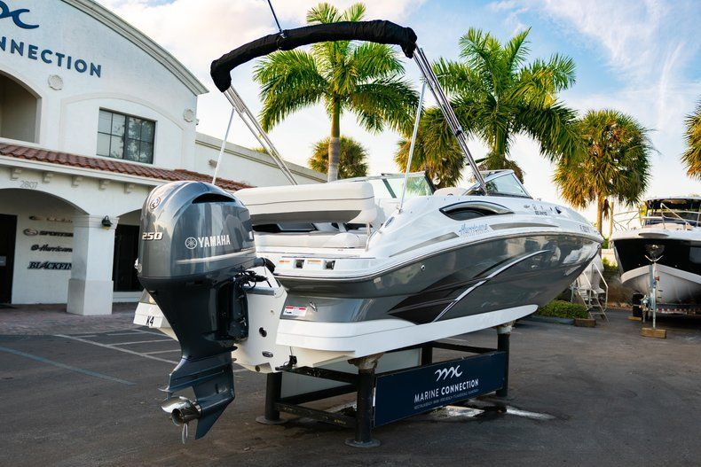 Thumbnail 7 for Used 2019 Hurricane SunDeck SD 2410 OB boat for sale in West Palm Beach, FL