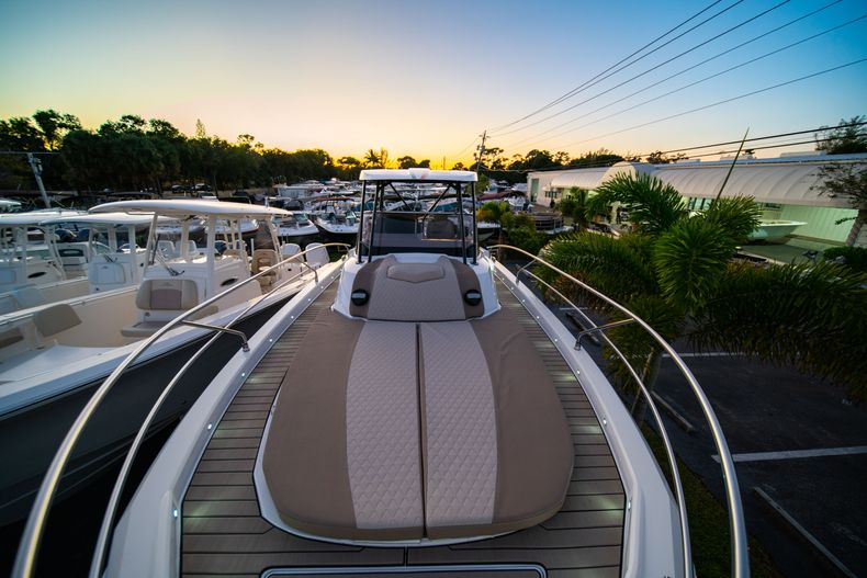 Thumbnail 49 for New 2019 Ranieri Next 370 SH boat for sale in West Palm Beach, FL