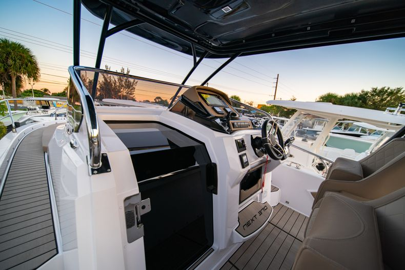 Thumbnail 17 for New 2019 Ranieri Next 370 SH boat for sale in West Palm Beach, FL