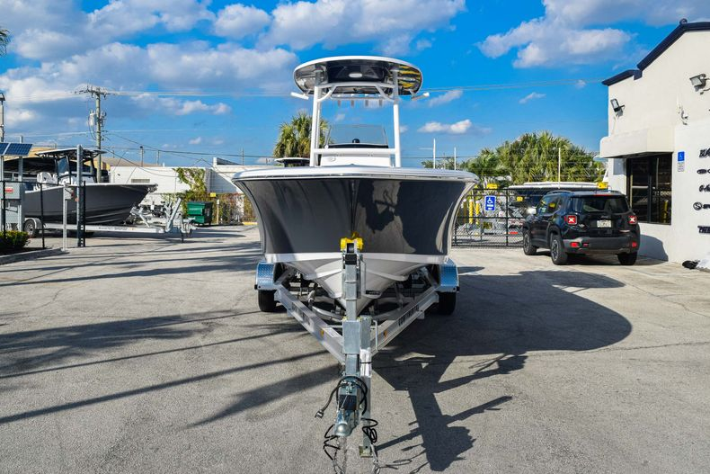 Thumbnail 2 for New 2020 Sportsman Heritage 231 Center Console boat for sale in West Palm Beach, FL