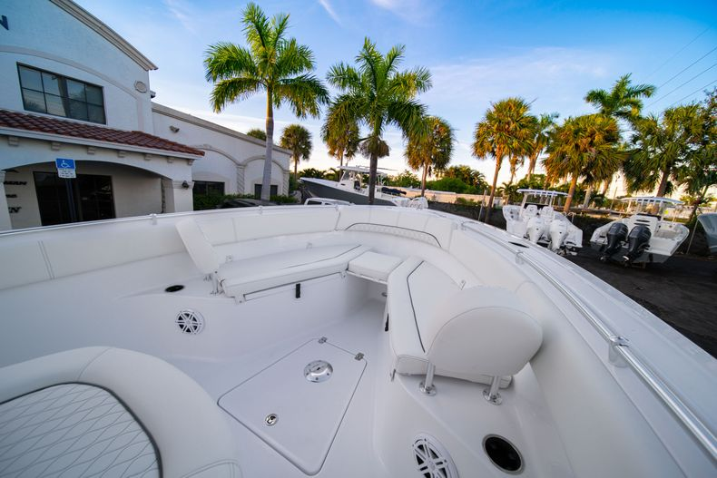 Thumbnail 42 for New 2020 Sportsman Open 252 Center Console boat for sale in West Palm Beach, FL