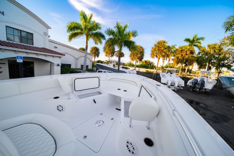 Thumbnail 43 for New 2020 Sportsman Open 252 Center Console boat for sale in West Palm Beach, FL
