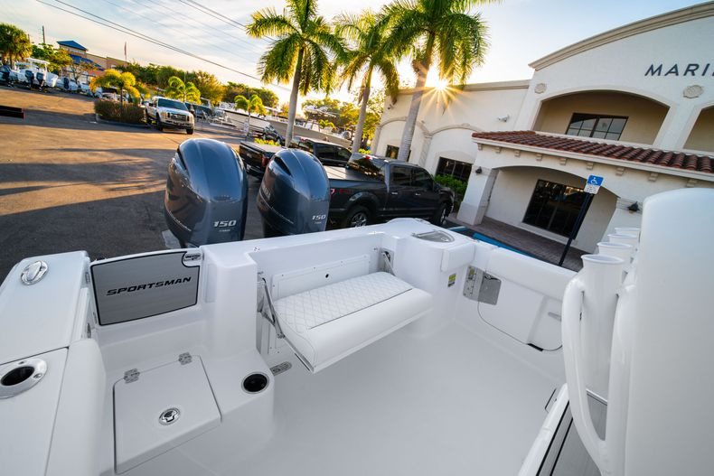 Thumbnail 10 for New 2020 Sportsman Open 252 Center Console boat for sale in West Palm Beach, FL