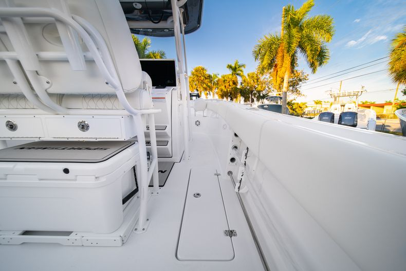 Thumbnail 20 for New 2020 Sportsman Open 252 Center Console boat for sale in West Palm Beach, FL