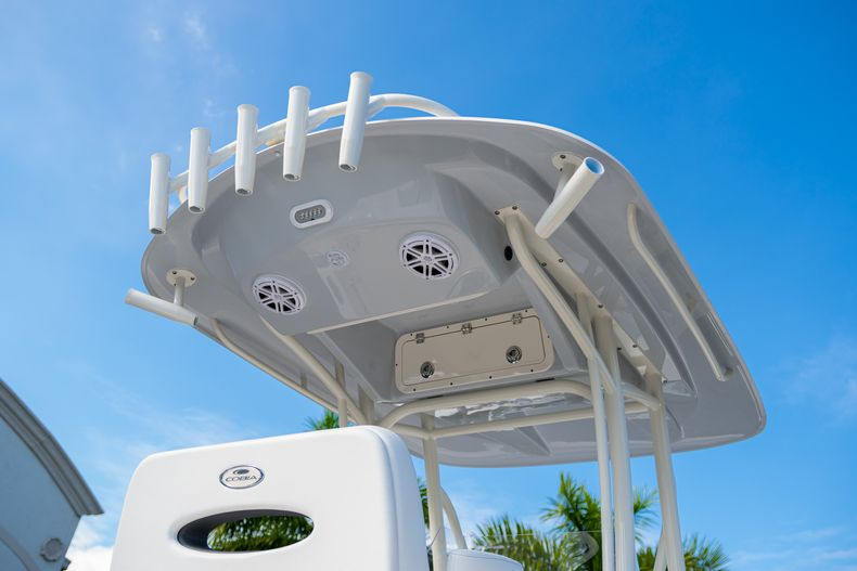 Image 8 for 2020 Cobia 220 CC Center Console in West Palm Beach, FL