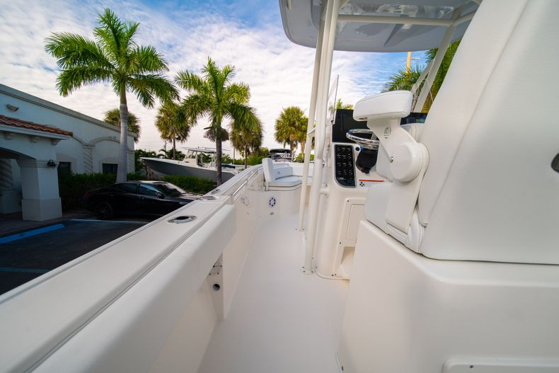 Thumbnail 16 for New 2020 Cobia 220 CC Center Console boat for sale in West Palm Beach, FL