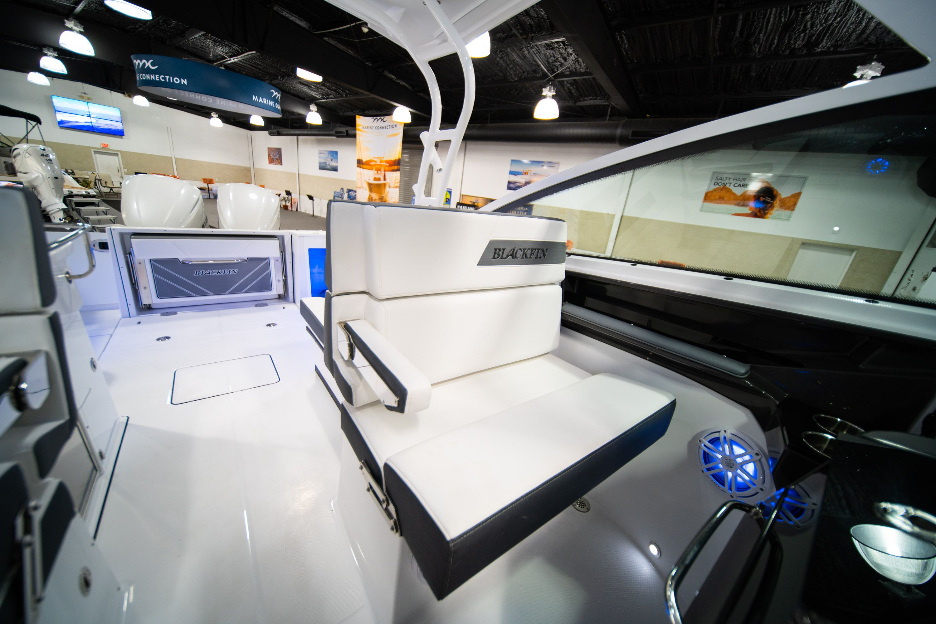 Thumbnail 33 for New 2020 Blackfin 272DC Dual Console boat for sale in West Palm Beach, FL
