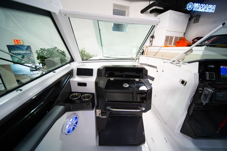 Thumbnail 30 for New 2020 Blackfin 272DC Dual Console boat for sale in Fort Lauderdale, FL