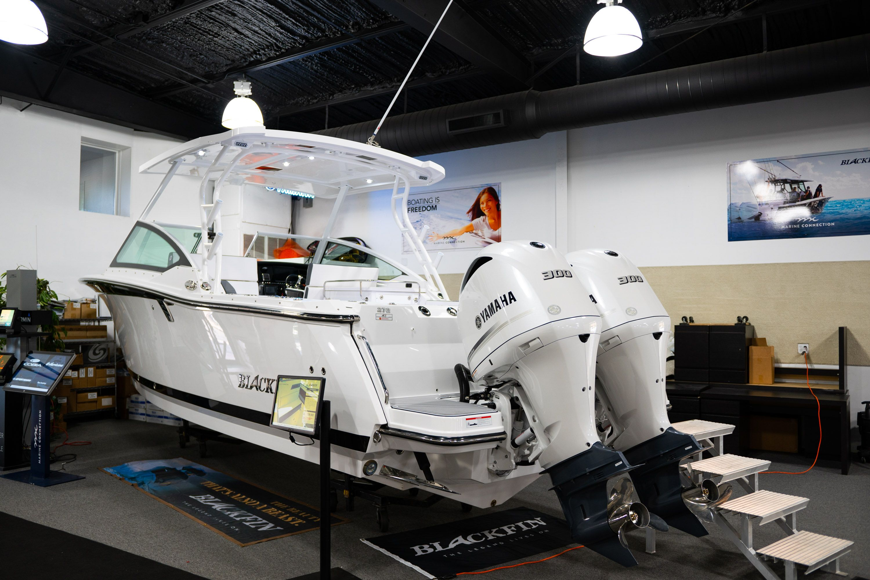 Thumbnail 1 for New 2020 Blackfin 272DC Dual Console boat for sale in West Palm Beach, FL