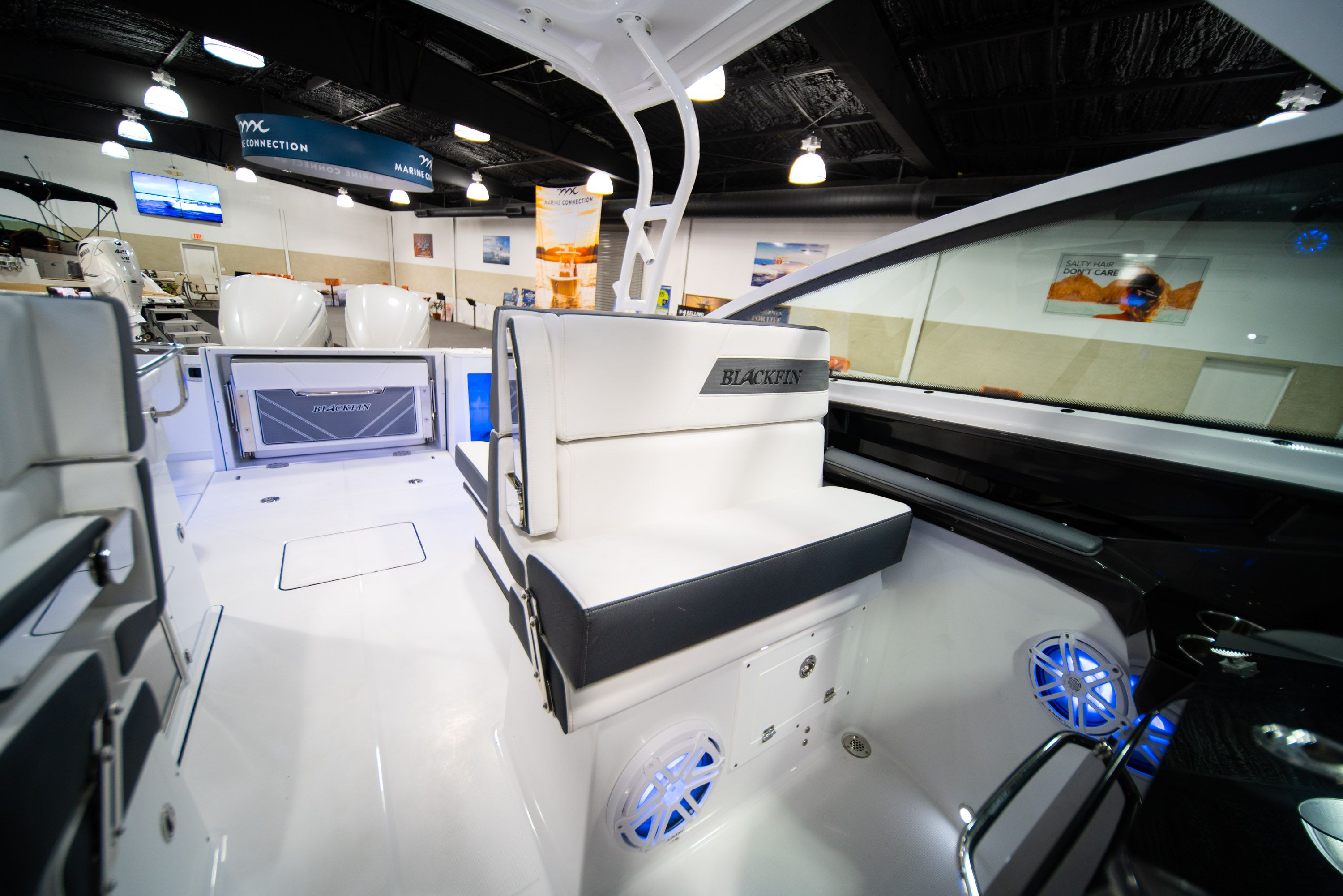 Thumbnail 32 for New 2020 Blackfin 272DC Dual Console boat for sale in West Palm Beach, FL