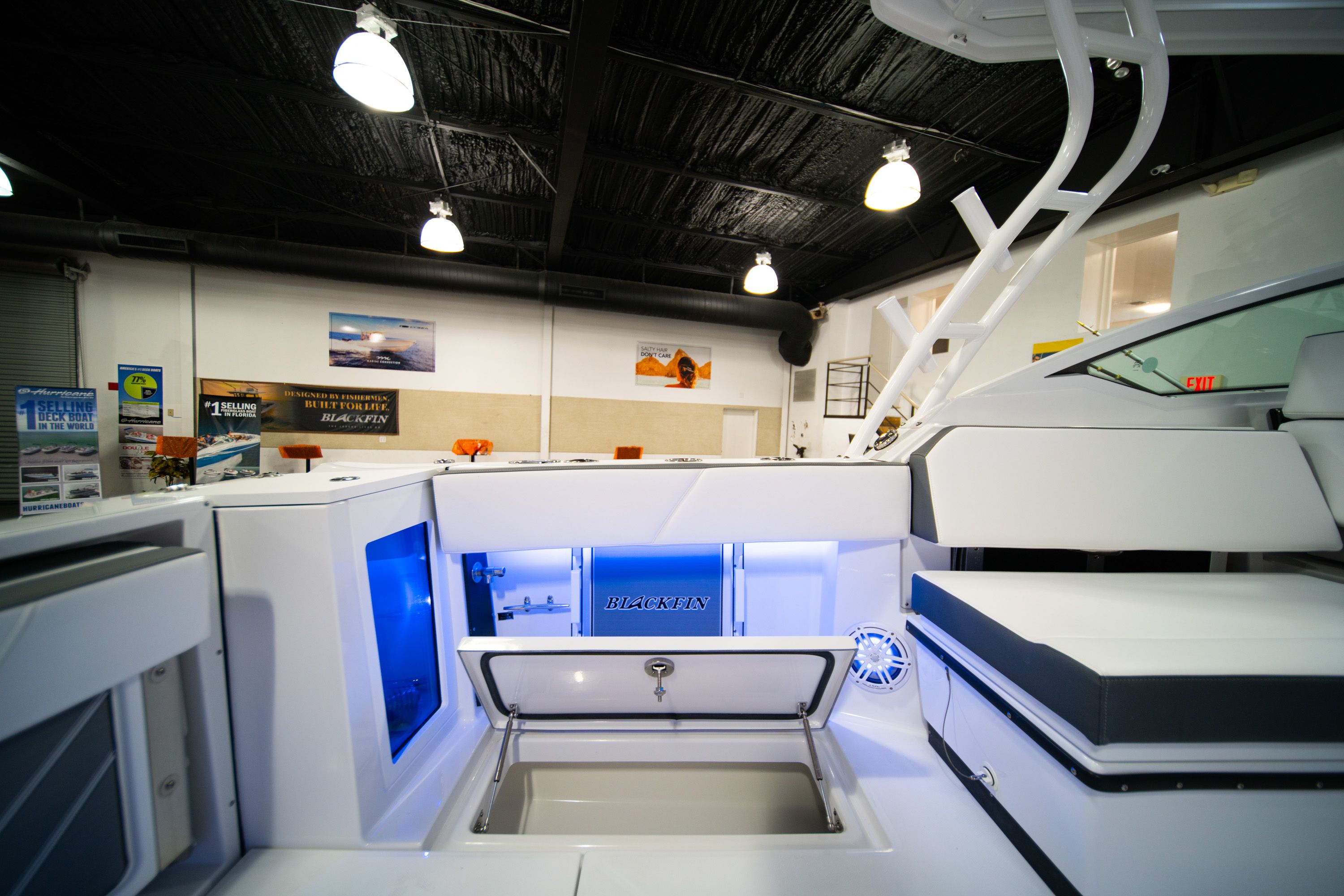 Thumbnail 13 for New 2020 Blackfin 272DC Dual Console boat for sale in West Palm Beach, FL