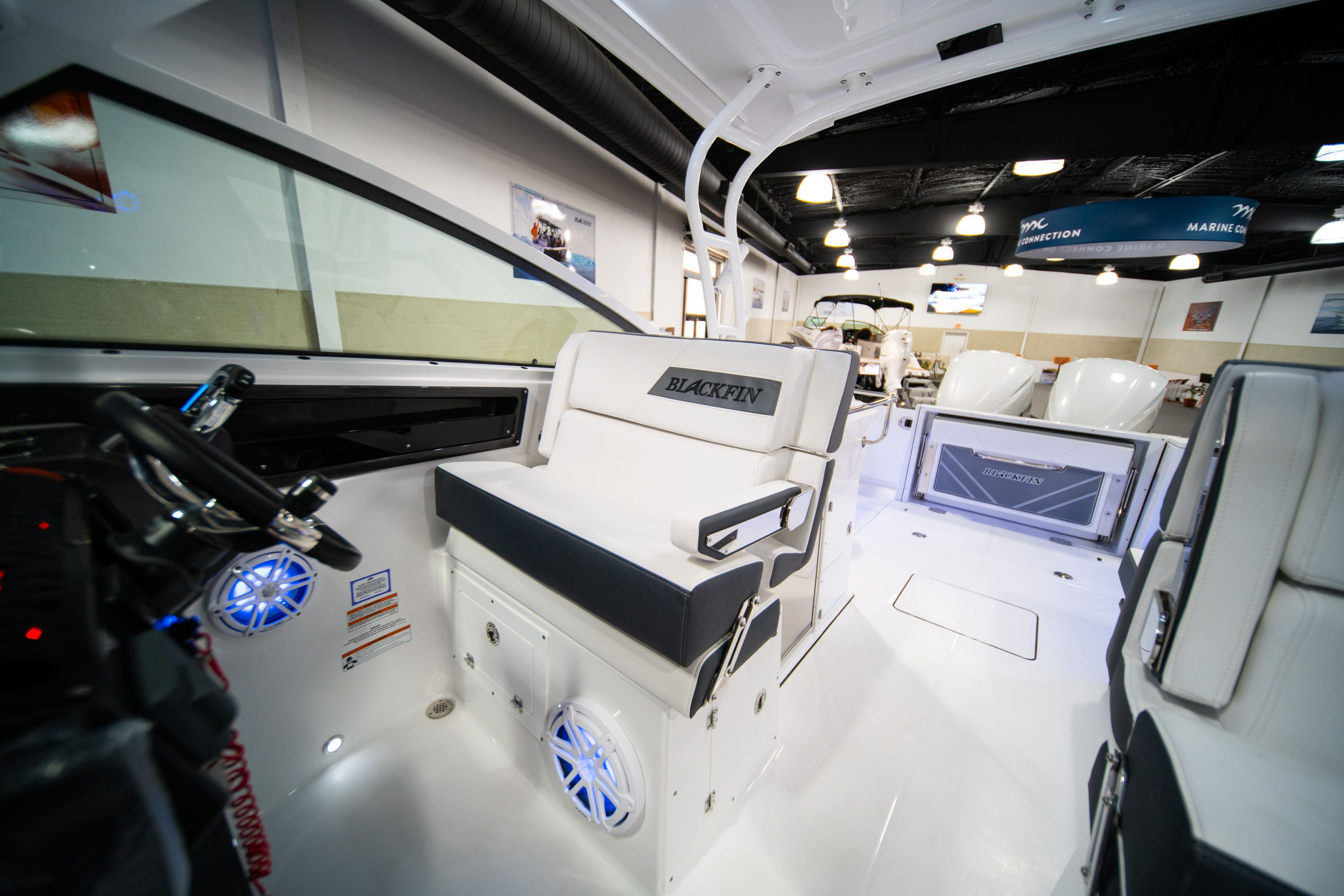 Thumbnail 28 for New 2020 Blackfin 272DC Dual Console boat for sale in West Palm Beach, FL