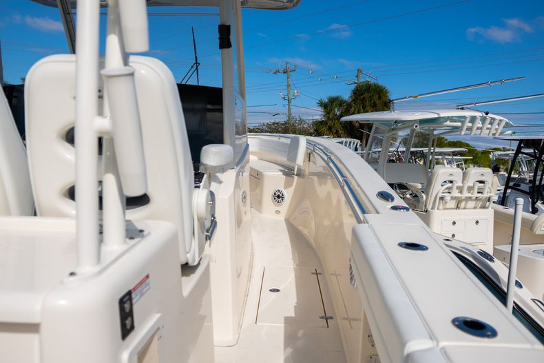 Thumbnail 9 for New 2020 Cobia 350 CC Center Console boat for sale in Islamorada, FL