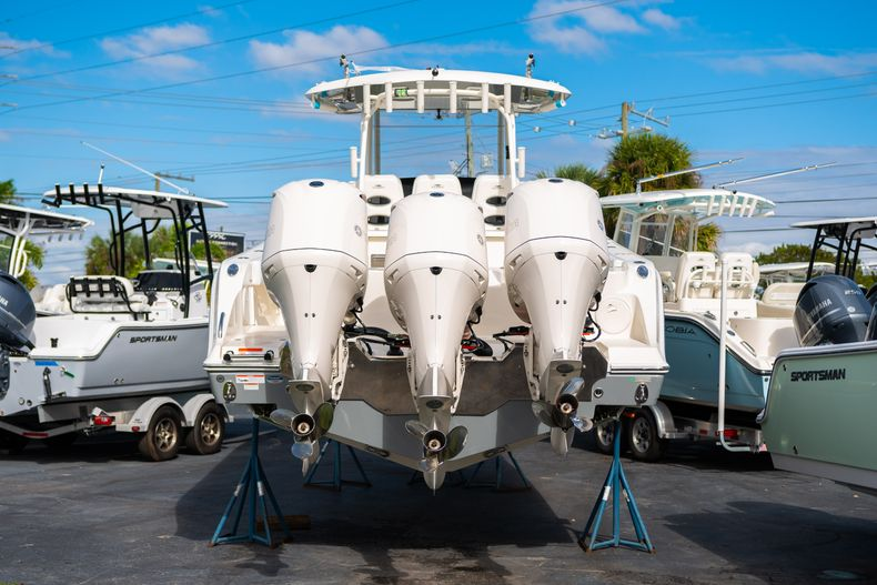 Thumbnail 4 for New 2020 Cobia 350 CC Center Console boat for sale in Islamorada, FL