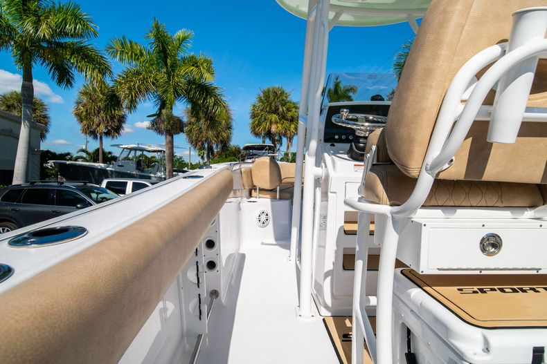 Thumbnail 18 for New 2020 Sportsman Open 232 Center Console boat for sale in West Palm Beach, FL