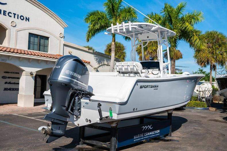 Thumbnail 7 for New 2020 Sportsman Open 232 Center Console boat for sale in West Palm Beach, FL
