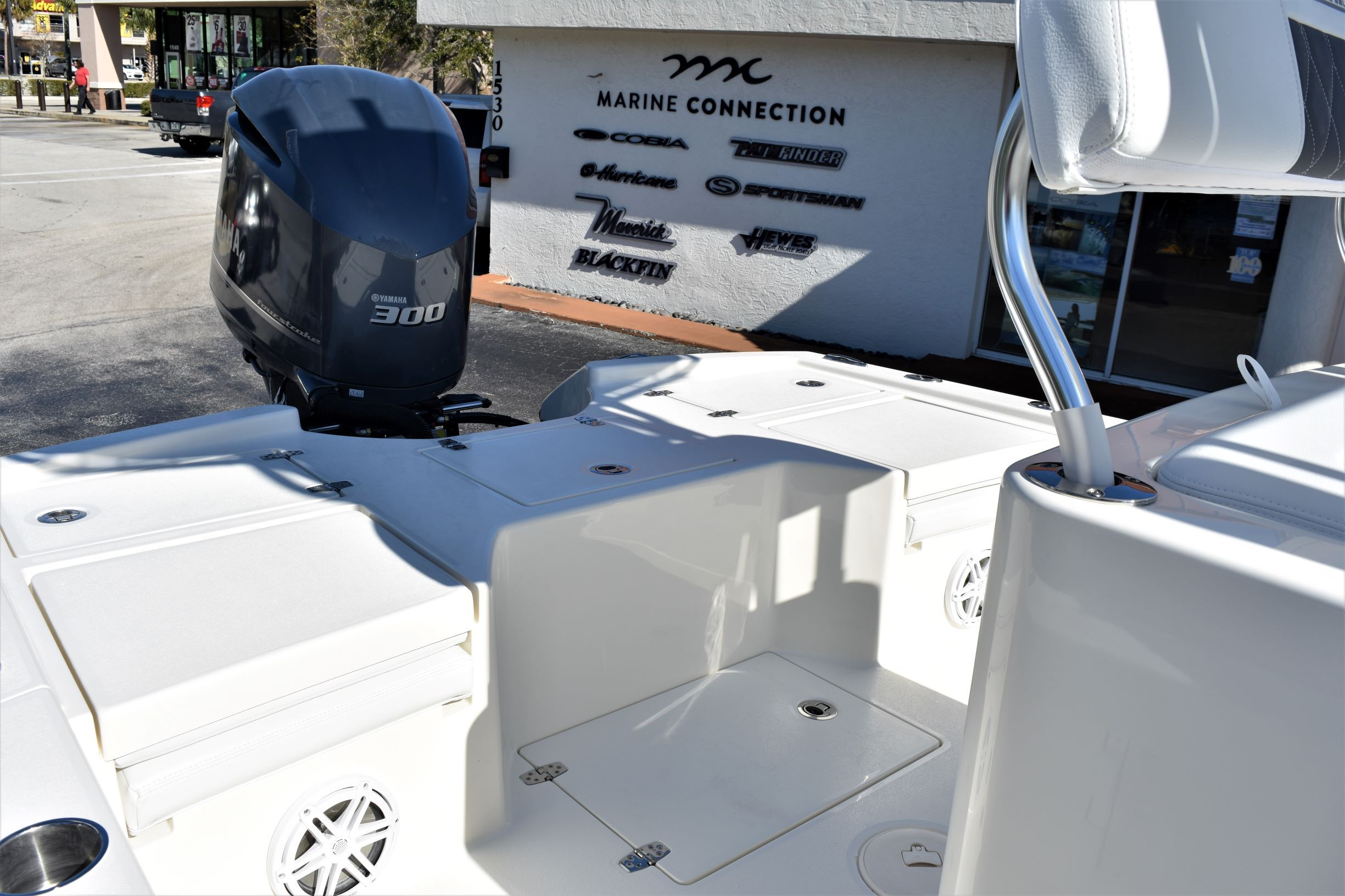 Thumbnail 19 for New 2020 Pathfinder 2500 Hybrid Bay Boat boat for sale in Vero Beach, FL