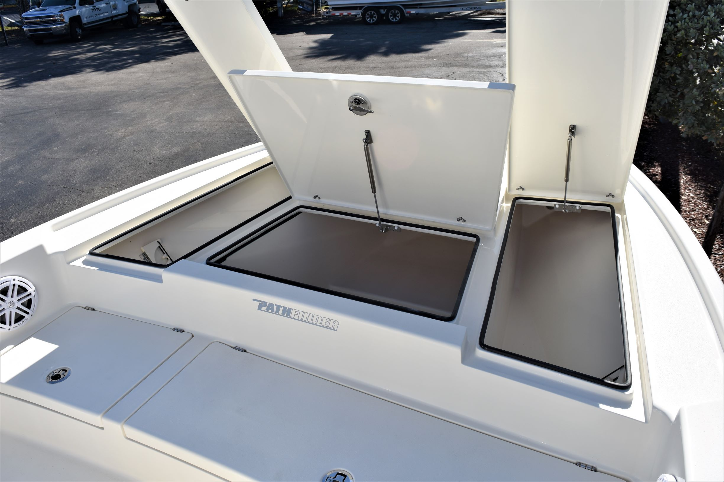 Thumbnail 32 for New 2020 Pathfinder 2500 Hybrid Bay Boat boat for sale in Vero Beach, FL