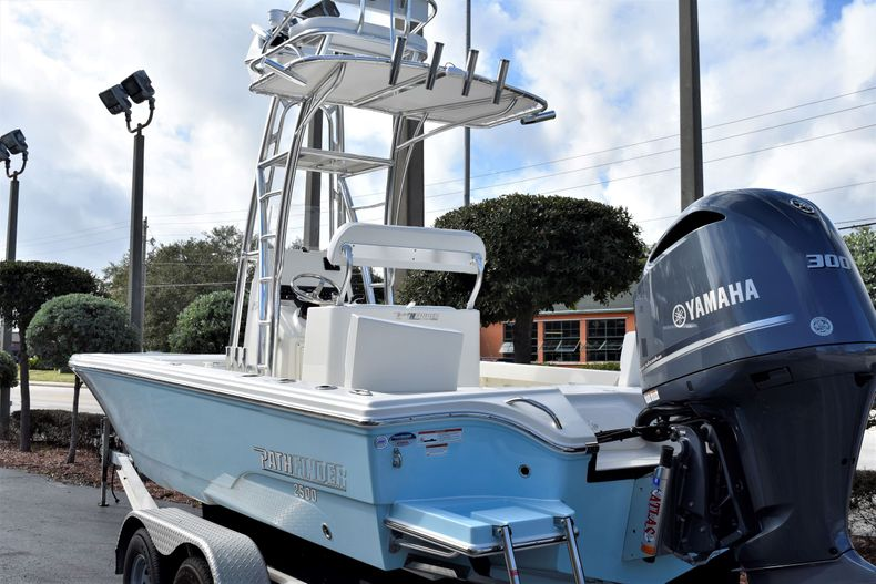 Thumbnail 3 for New 2020 Pathfinder 2500 Hybrid Bay Boat boat for sale in Vero Beach, FL