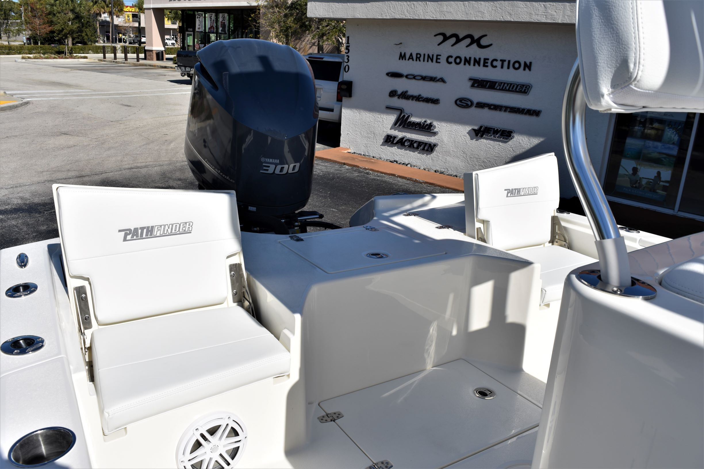 Thumbnail 25 for New 2020 Pathfinder 2500 Hybrid Bay Boat boat for sale in Vero Beach, FL