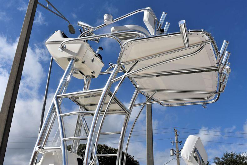 Image 26 for 2020 Pathfinder 2500 Hybrid Bay Boat in Vero Beach, FL