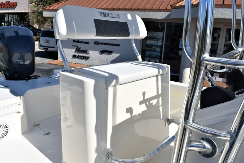 Thumbnail 17 for New 2020 Pathfinder 2500 Hybrid Bay Boat boat for sale in Vero Beach, FL