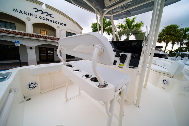 Thumbnail 16 for New 2020 Cobia 201 CC Center Console boat for sale in West Palm Beach, FL