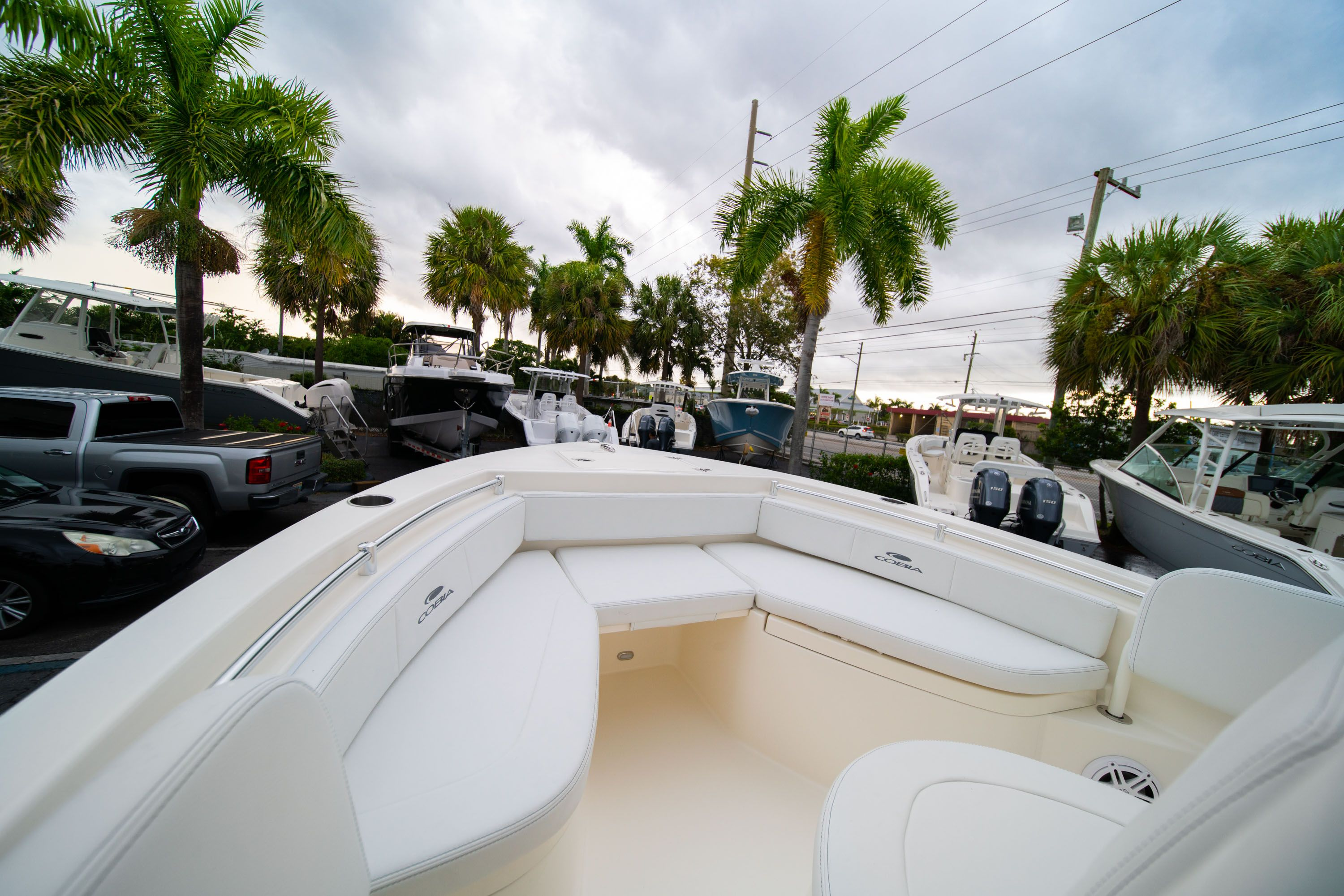Thumbnail 31 for New 2020 Cobia 201 CC Center Console boat for sale in West Palm Beach, FL