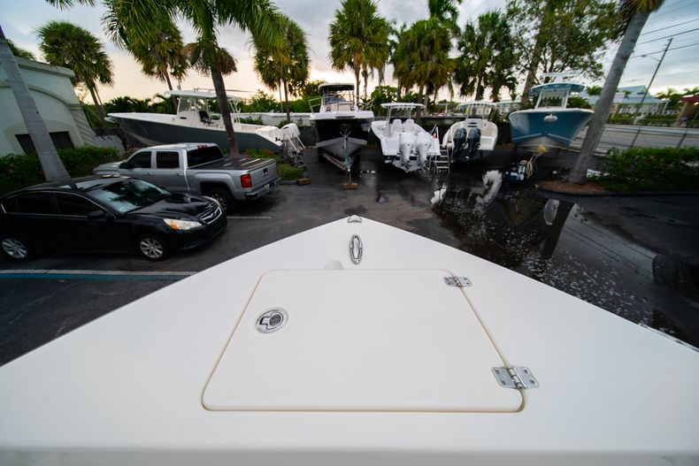 Thumbnail 33 for New 2020 Cobia 201 CC Center Console boat for sale in West Palm Beach, FL