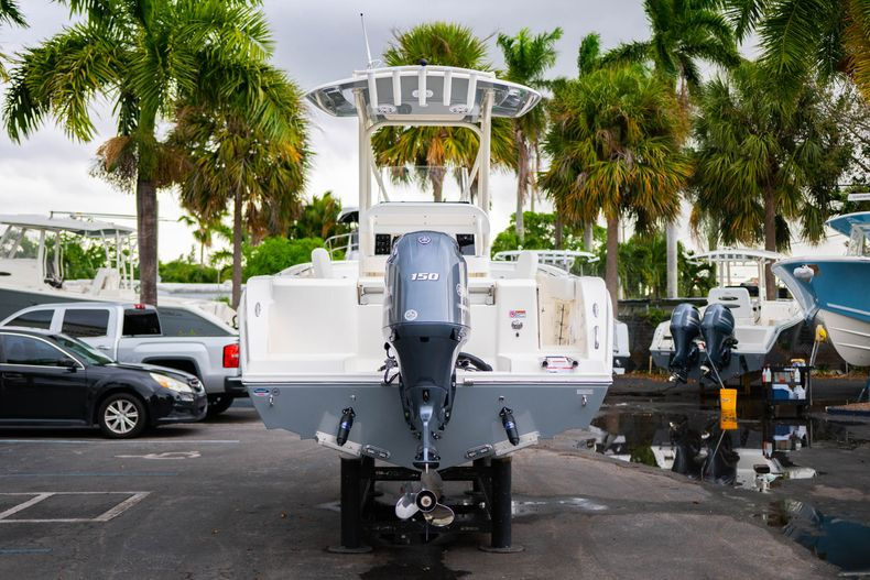Thumbnail 6 for New 2020 Cobia 201 CC Center Console boat for sale in West Palm Beach, FL