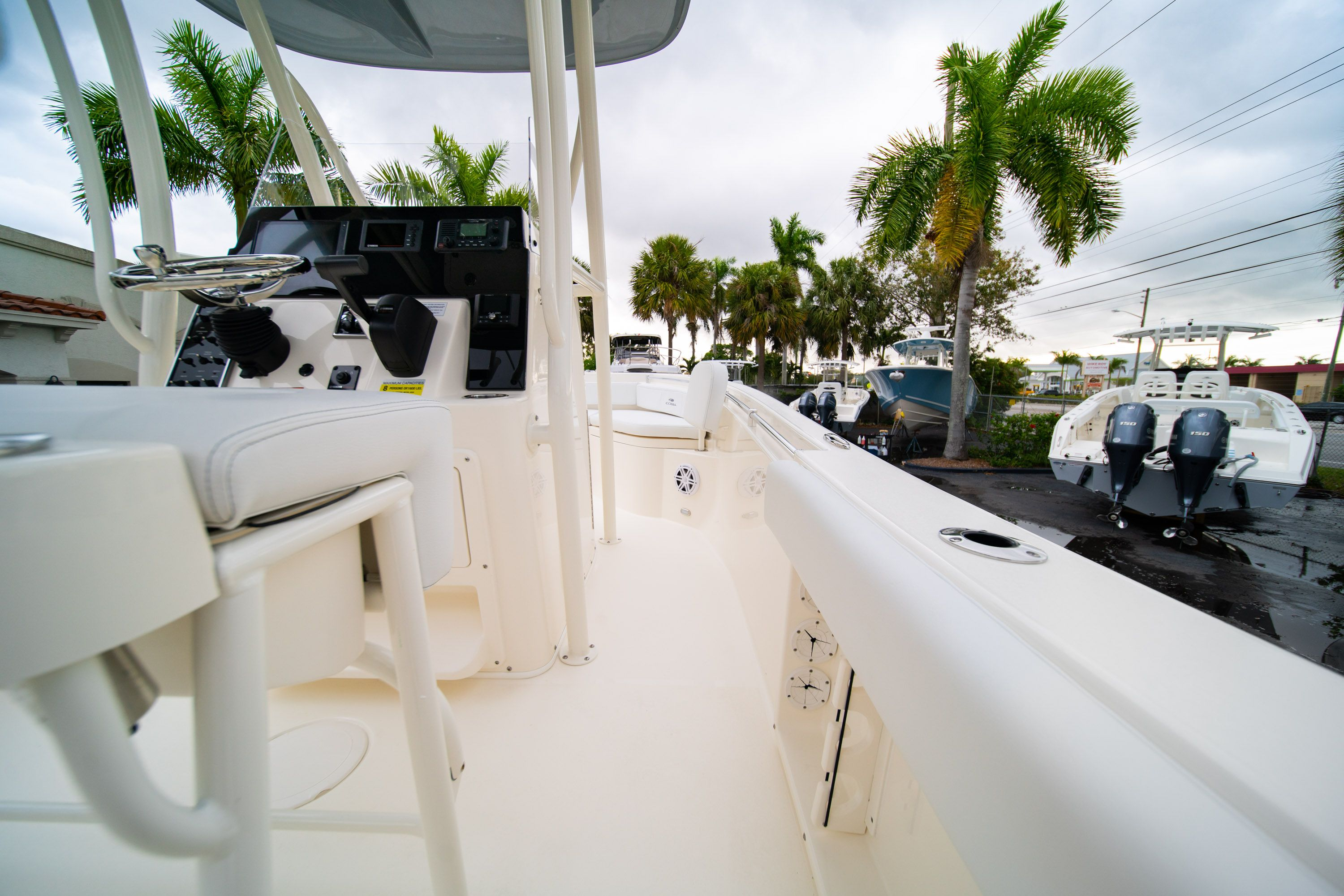 Thumbnail 15 for New 2020 Cobia 201 CC Center Console boat for sale in West Palm Beach, FL