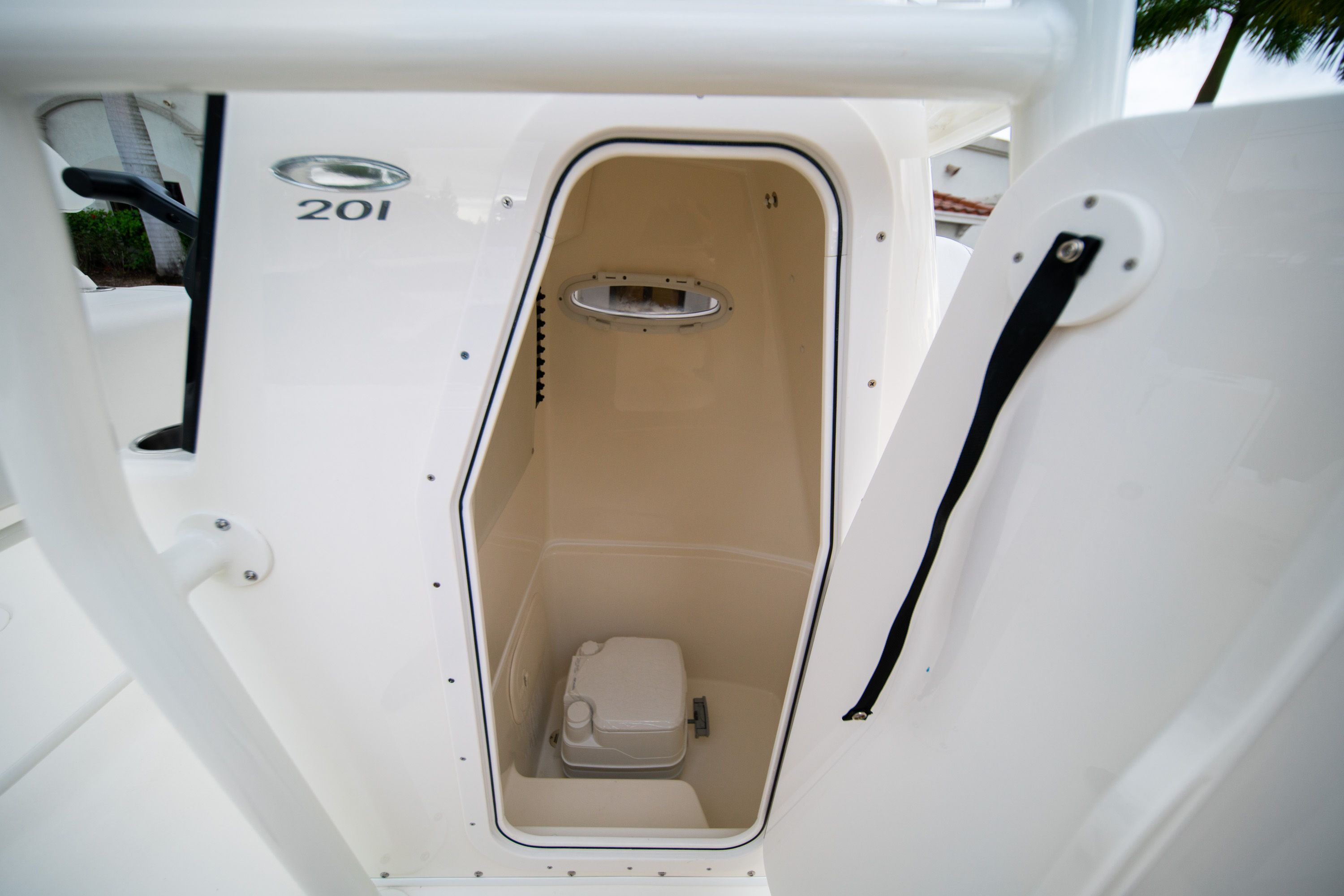 Thumbnail 28 for New 2020 Cobia 201 CC Center Console boat for sale in West Palm Beach, FL