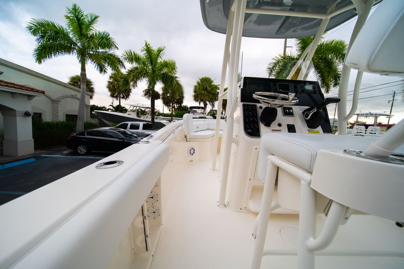 Thumbnail 17 for New 2020 Cobia 201 CC Center Console boat for sale in West Palm Beach, FL