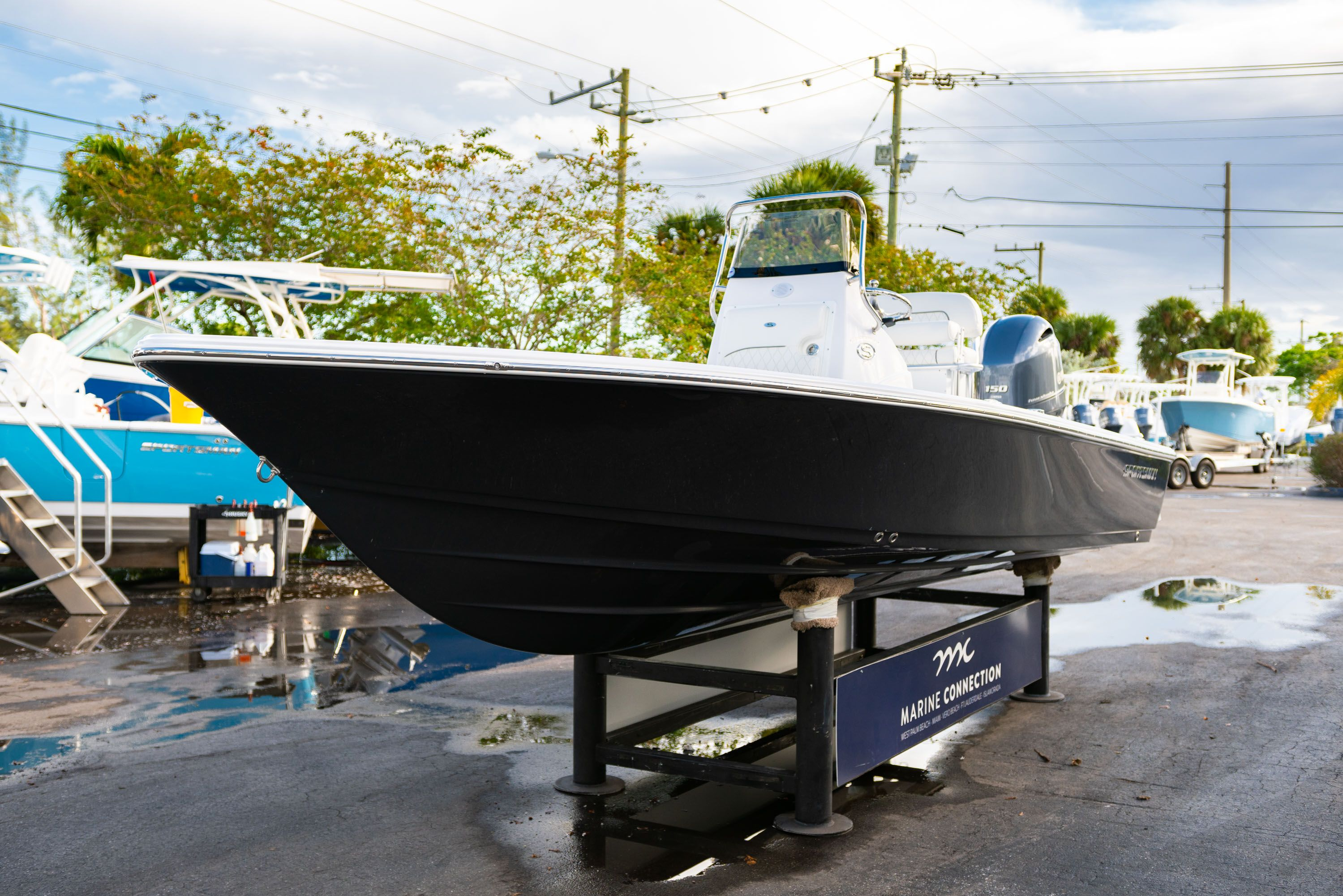 Thumbnail 3 for New 2020 Sportsman Tournament 214 Bay Boat boat for sale in West Palm Beach, FL