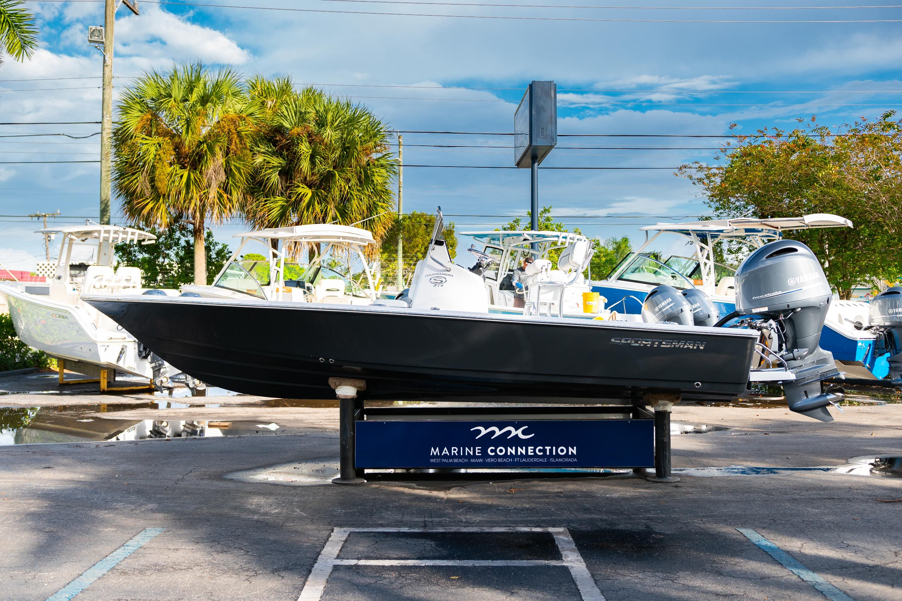 Thumbnail 4 for New 2020 Sportsman Tournament 214 Bay Boat boat for sale in West Palm Beach, FL