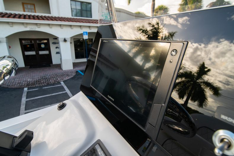 Thumbnail 19 for New 2020 Sportsman Tournament 214 Bay Boat boat for sale in West Palm Beach, FL