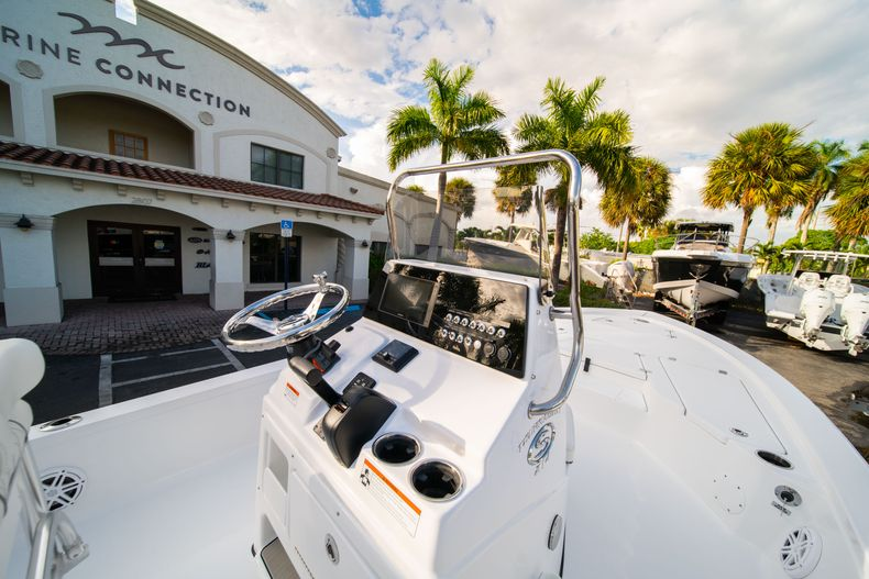 Thumbnail 17 for New 2020 Sportsman Tournament 214 Bay Boat boat for sale in West Palm Beach, FL