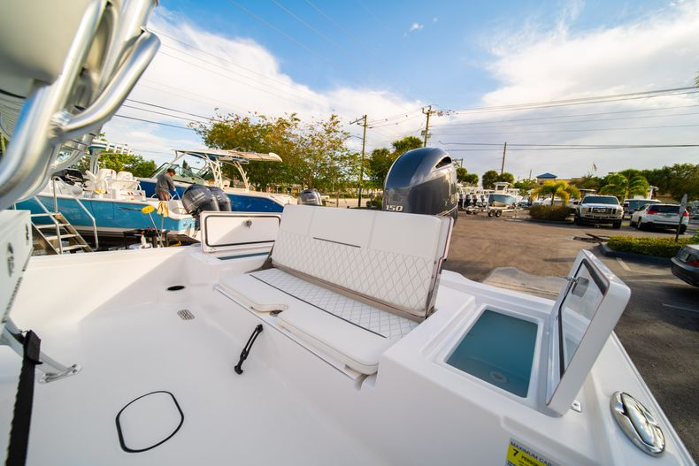 Thumbnail 11 for New 2020 Sportsman Tournament 214 Bay Boat boat for sale in West Palm Beach, FL