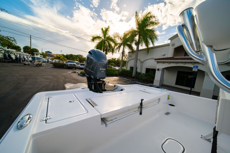 Thumbnail 8 for New 2020 Sportsman Tournament 214 Bay Boat boat for sale in West Palm Beach, FL