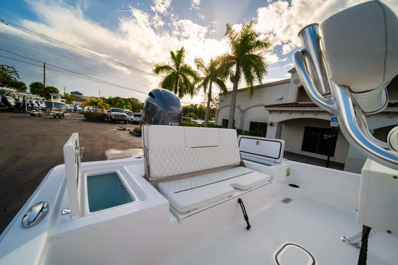 Thumbnail 9 for New 2020 Sportsman Tournament 214 Bay Boat boat for sale in West Palm Beach, FL