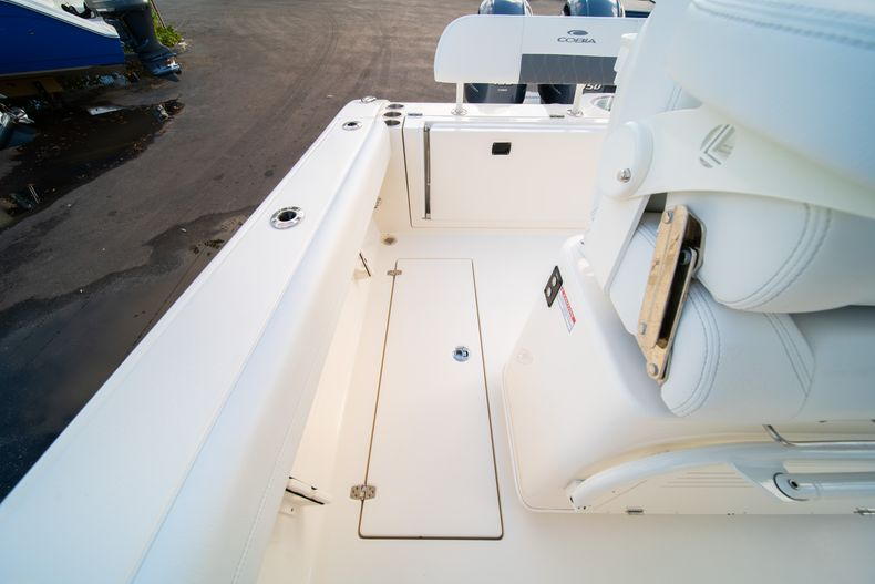 Thumbnail 14 for New 2020 Cobia 262 CC Center Console boat for sale in West Palm Beach, FL
