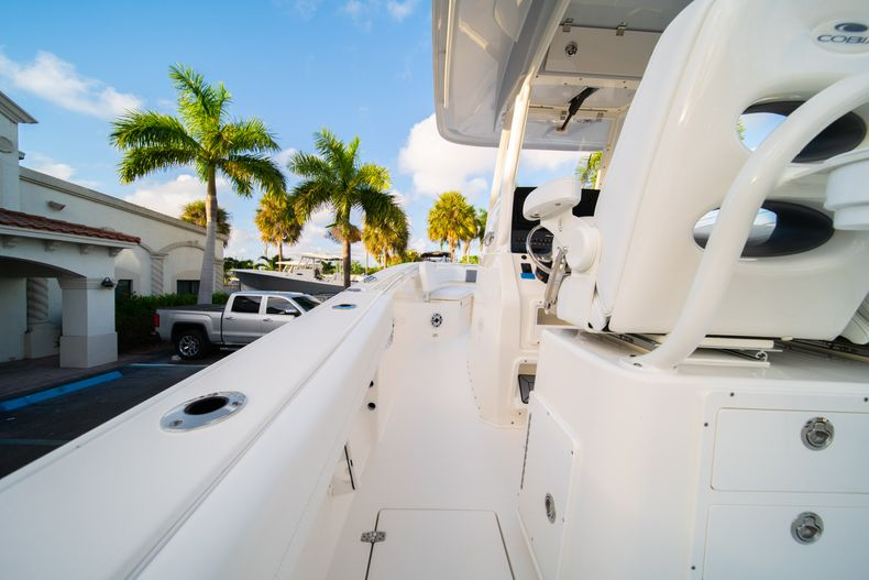 Thumbnail 17 for New 2020 Cobia 262 CC Center Console boat for sale in West Palm Beach, FL